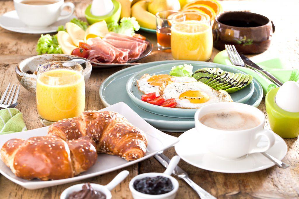 Schwere Folgen schlechter Ernährungsqualität – Wer derart frühstückt bringt seine Gesundheit in Gefahr