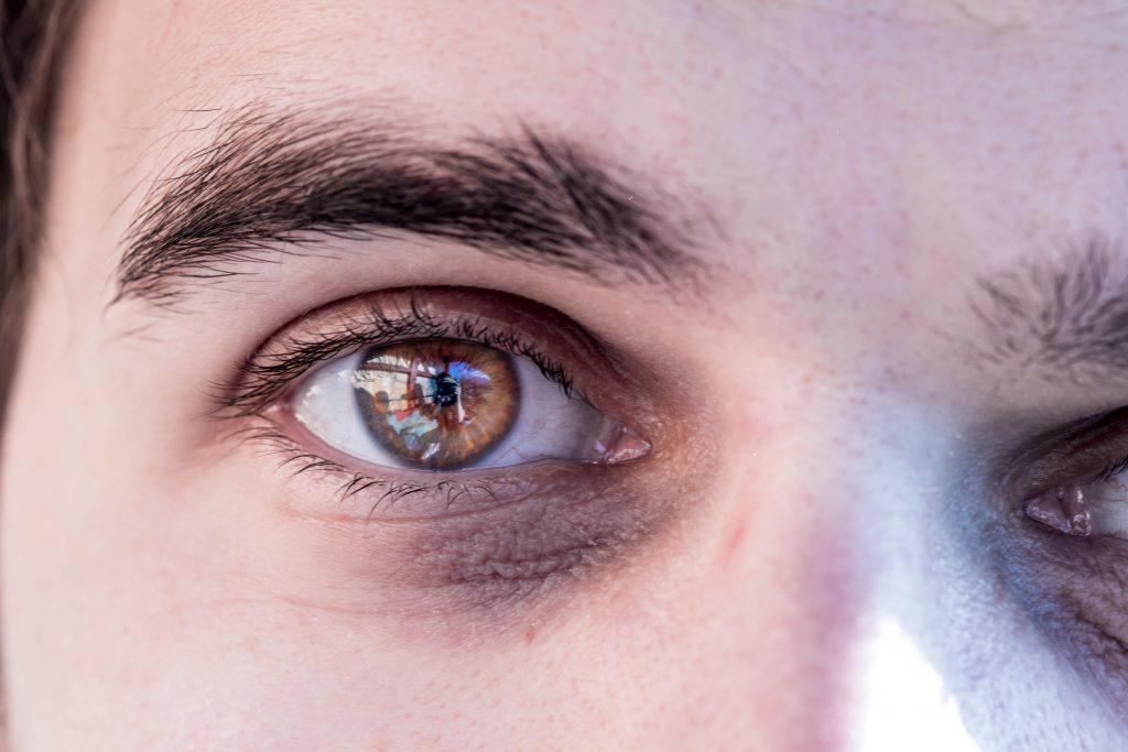 Studie beweist: Mit dieser Augenfarbe sind wir anfälliger für Winterdepressionen