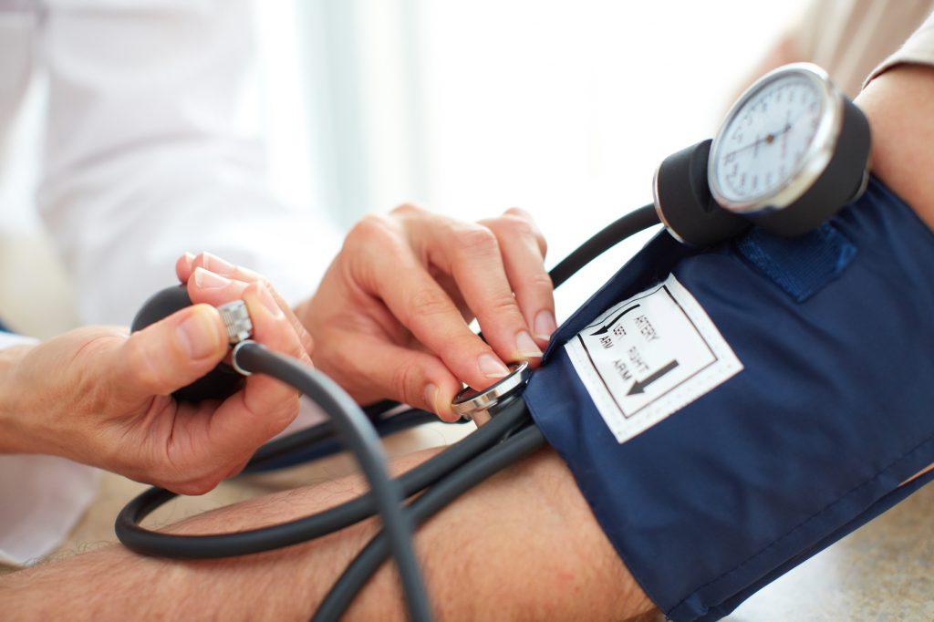 Vorsicht bei hohem Blutdruck: Der zweite Blutdruck-Messwert ist immer der Entscheidende