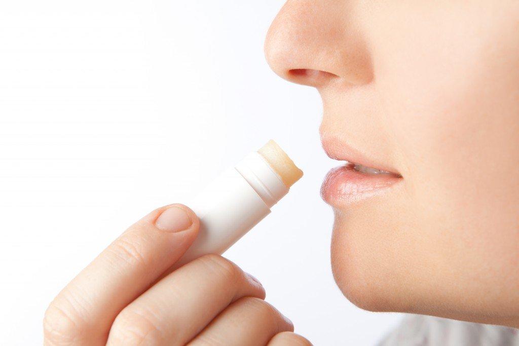 Vorsicht: Bei Lippenpflegestiften auf krebserregende Inhaltsstoffe achten