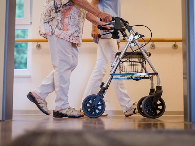 Versorgung Hilfsbedürftiger nicht sicher: Studie warnt vor Pflegekosten-Explosion