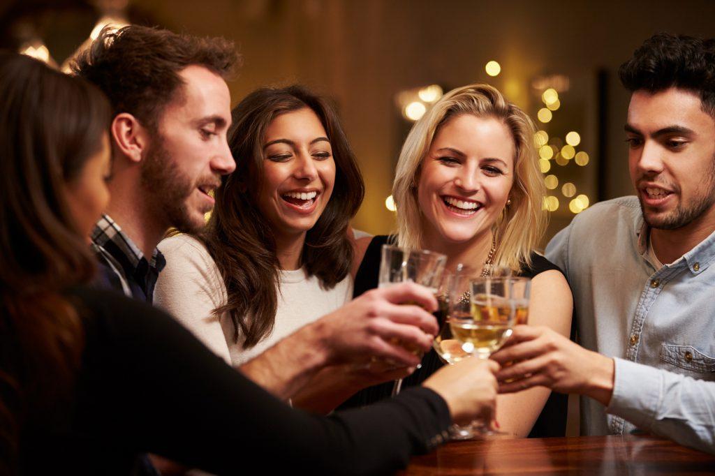 Zusammenhang zwischen Alkoholkonsum und Brustkrebsrisiko vielen Frauen nicht bewusst