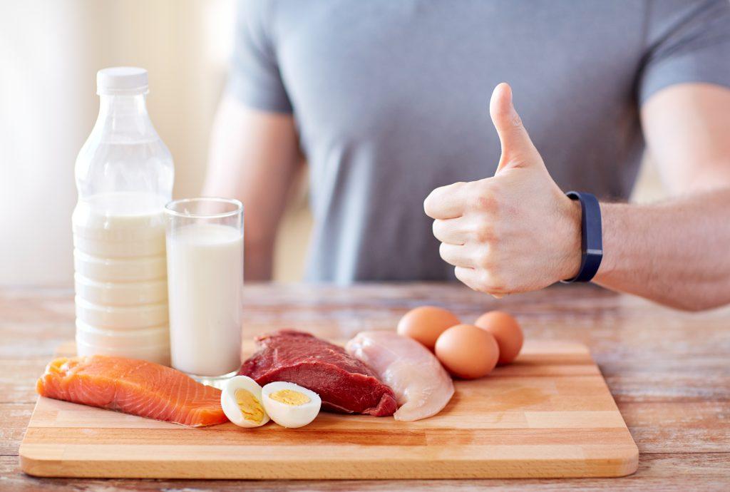 Diät: Gesünderes Abnehmen auch im Alter durch kalorienarme Ernährung mit hohem Eiweißgehalt möglich