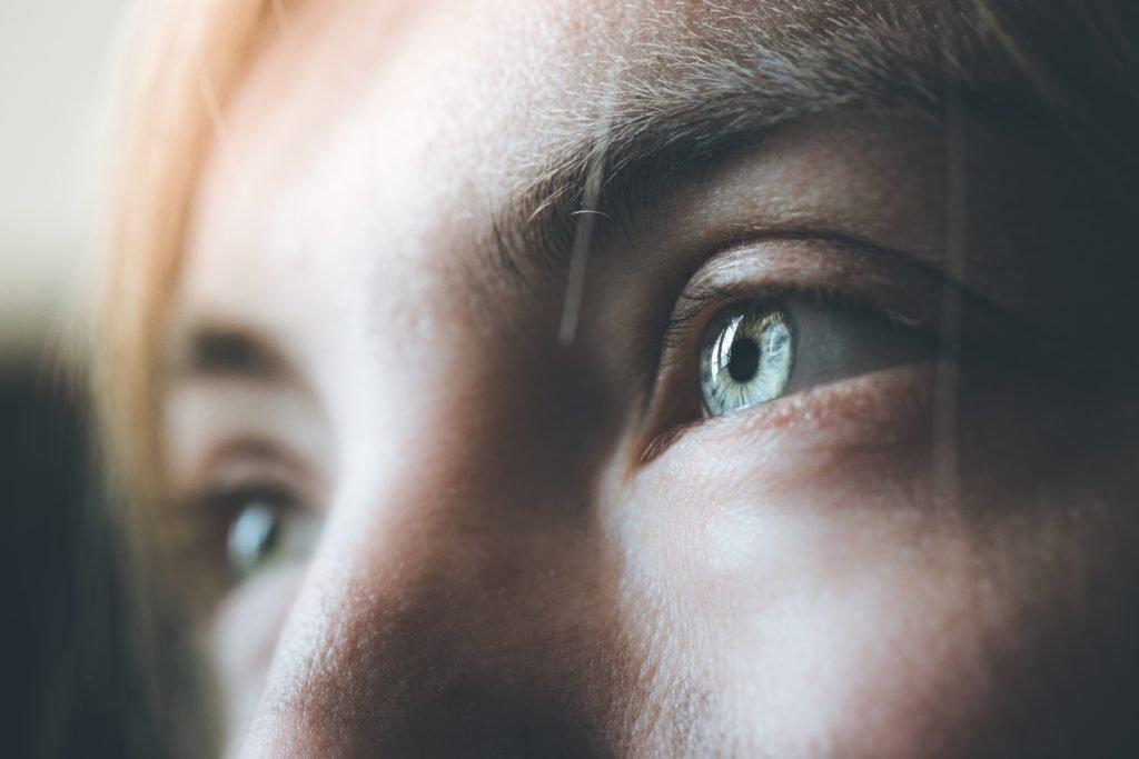 Forschung: Veränderter Bewusstseinszustand durch einen zehnminütigen Augenkontakt