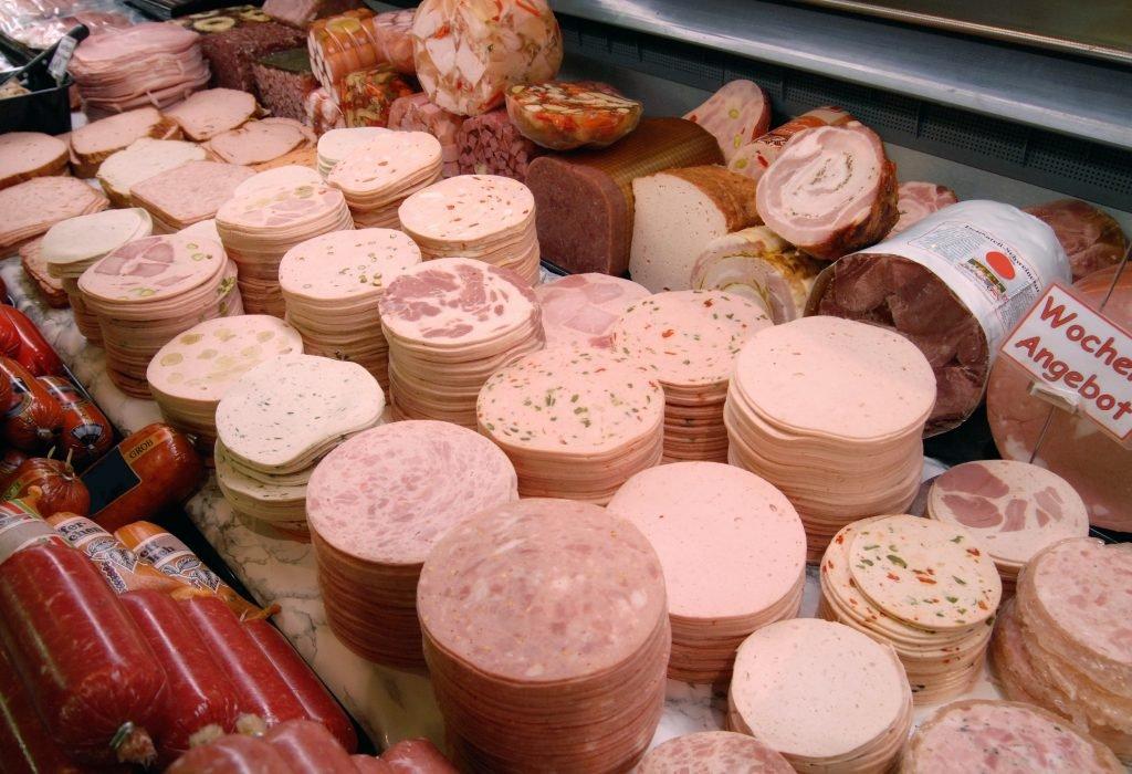 Rückruf bei Aldi wegen Bakterien in Wurst-Ware: Durchfall-Leiden drohen