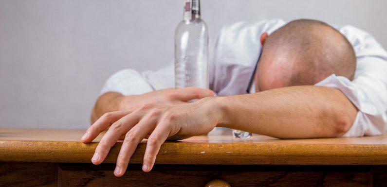 Eltern nachsichtige Einstellung gegenüber dem trinken einher mit einem stärkeren Alkoholkonsum bei Kindern