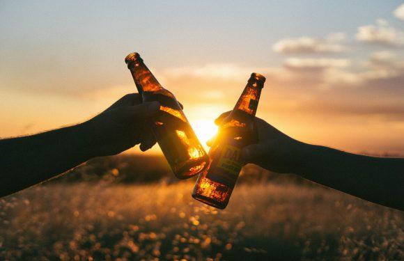 Globale Vermarktung von Alkohol Vertrag reduzieren könnte trinken Schaden