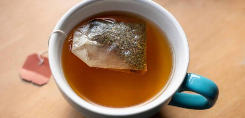 Dieser Fehler beim Zubereiten von Tee könnte euch krank machen