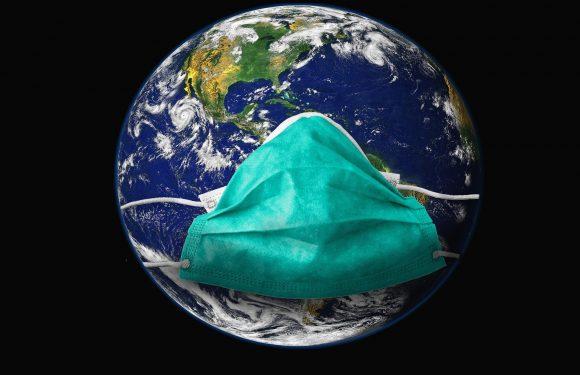 Das tragen einer Gesichtsmaske in einem gemeinsamen öffentlichen Räume schützen gefährdeter Menschen gegen coronavirus