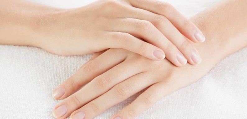 Die richtige Handpflege: So behandeln Sie trockene und rissige Haut