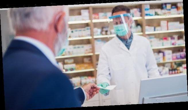Ärztinnen in der Apotheke